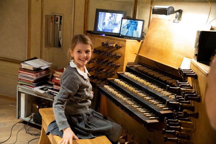La princesse Estelle de Suède à l'orgue de la Storkyrkan, la cathédrale de Stockholm, le 17 février 2020