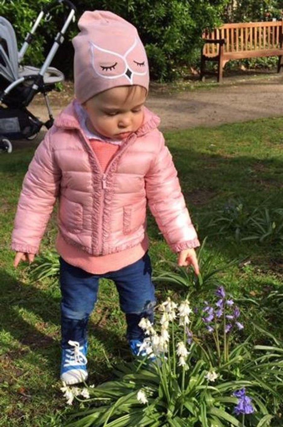 La princesse Leonore de Suède, photo postée par la princesse Madeleine sur sa page Facebook le 17 avril 2015