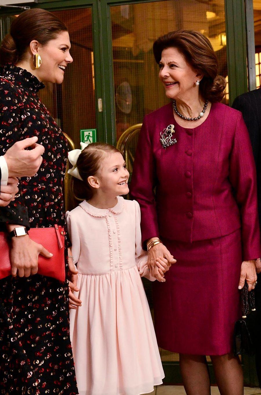 Les princesses Victoria et Estelle et la reine Silvia de Suède à Stockholm, le 18 décembre 2018