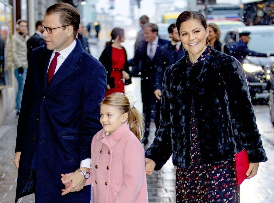 Les princesses Victoria et Estelle de Suède et le prince Daniel à Stockholm, le 18 décembre 2018
