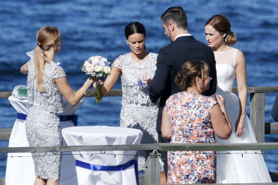 La princesse Sofia de Suède, avec ses soeurs Lina et Sara et leur mère Marie Hellqvist à Stockholm, le 22 août 2015