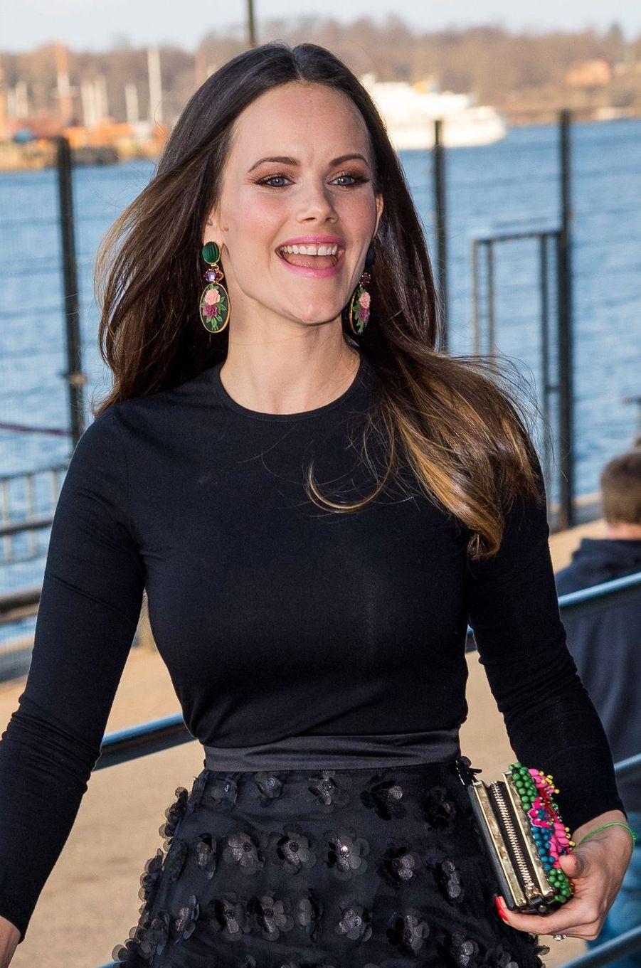 Les boucles d'oreilles de la princesse Sofia de Suède à Stockholm, le 17 avril 2018