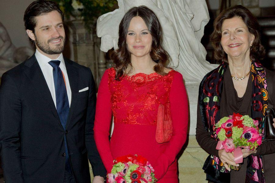 Le prince Carl Philip, la princesse Sofia et la reine Silvia de Suède à Stockholm, le 19 février 2016