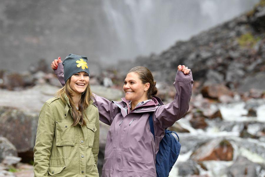 Les princesses Sofia et Victoria de Suède dans le parc national de Fulufjället en Dalécarlie, le 12 juin 2019