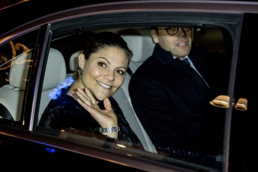 Le Prince Oscar, La Princesse Victoria De Suède Et Le Prince Daniel À Milan 13