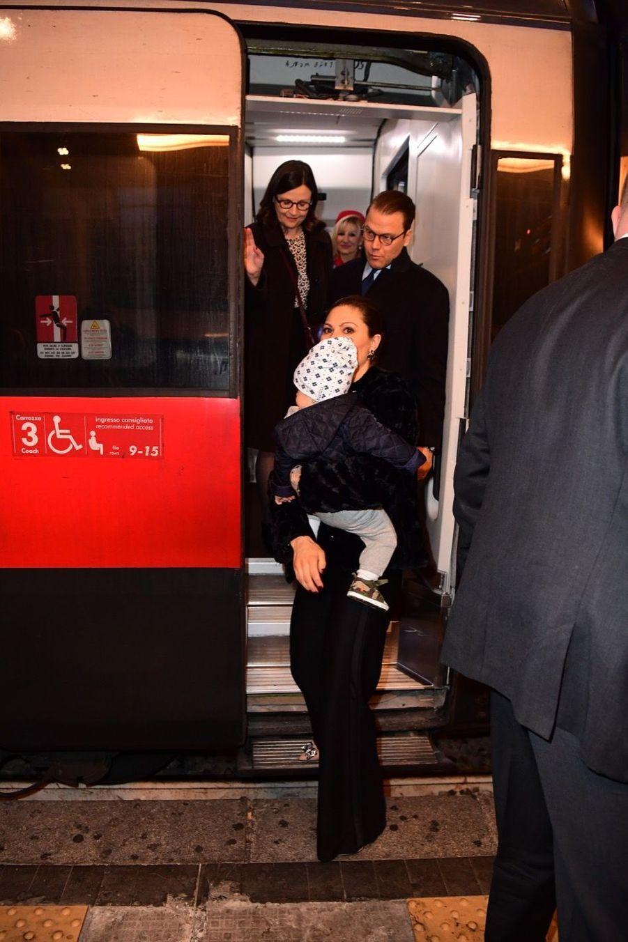 Le Prince Oscar, La Princesse Victoria De Suède Et Le Prince Daniel À Milan 2