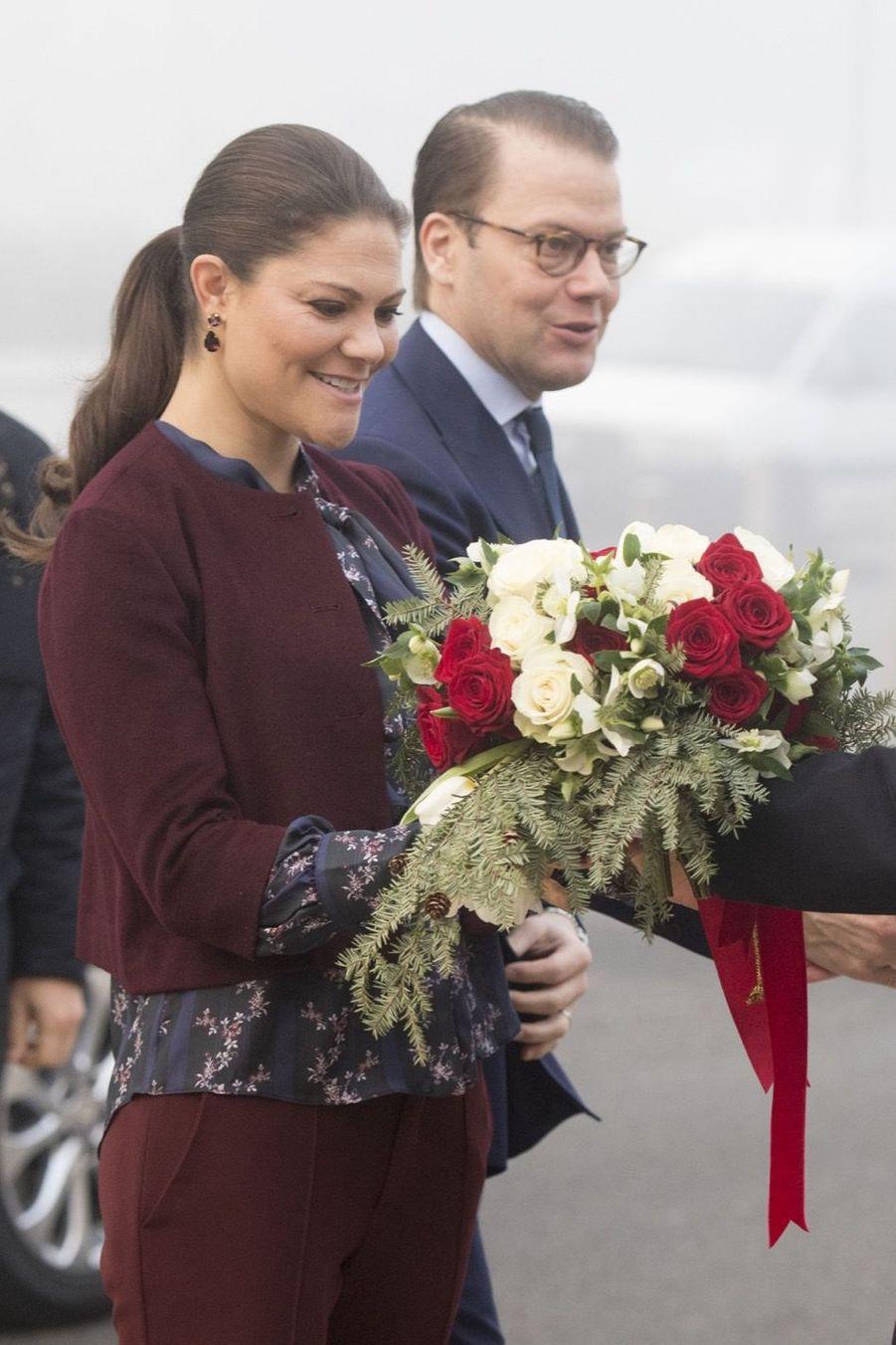 Le Prince Oscar, La Princesse Victoria De Suède Et Le Prince Daniel À Milan 20