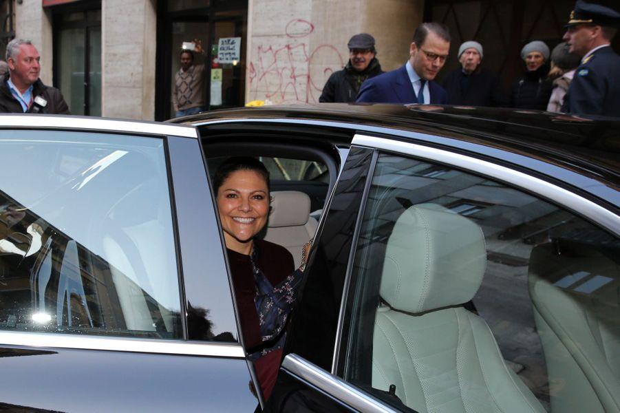 Le Prince Oscar, La Princesse Victoria De Suède Et Le Prince Daniel À Milan 26