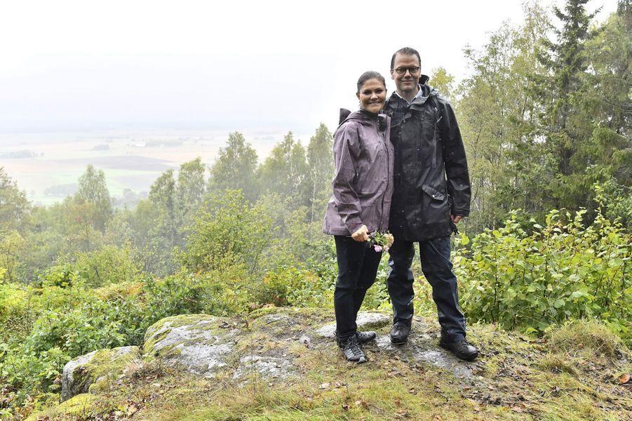 La princesse Victoria de Suède et le prince consort Daniel dans leur duché de Västergötland, le 9 septembre 2017