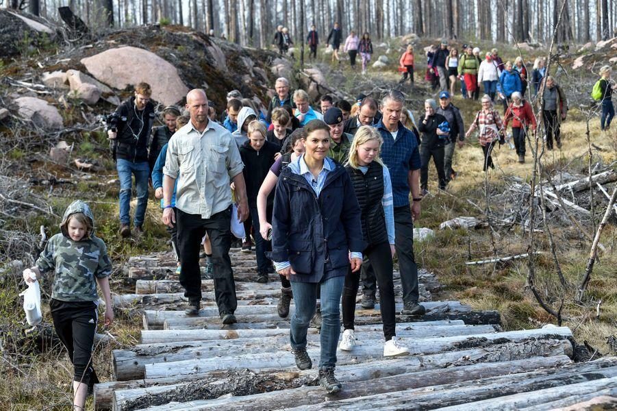 La princesse Victoria de Suède en randonnée dans le Västmanland, le 26 avril 2019