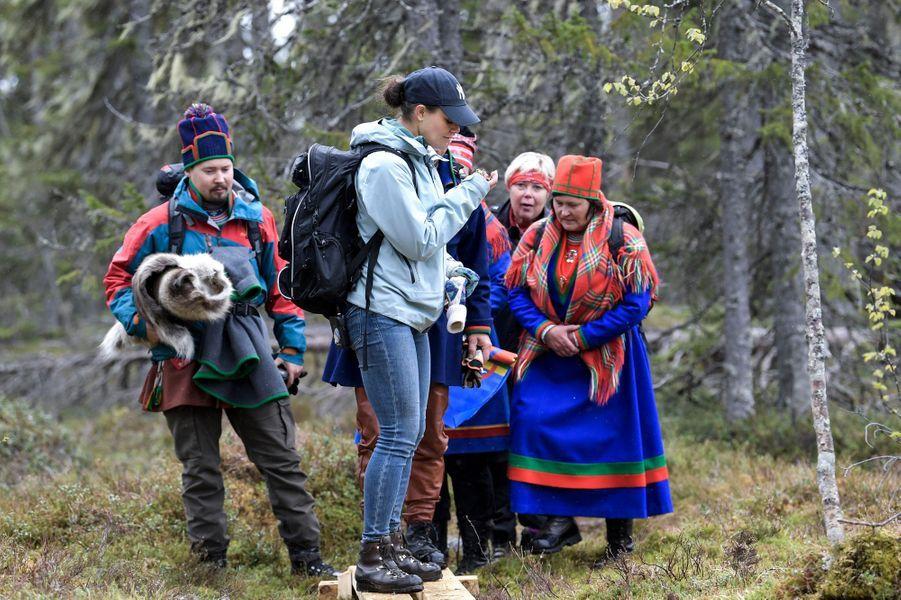 La princesse Victoria de Suède avec des Samis dans le Medelpad, le 29 mai 2019