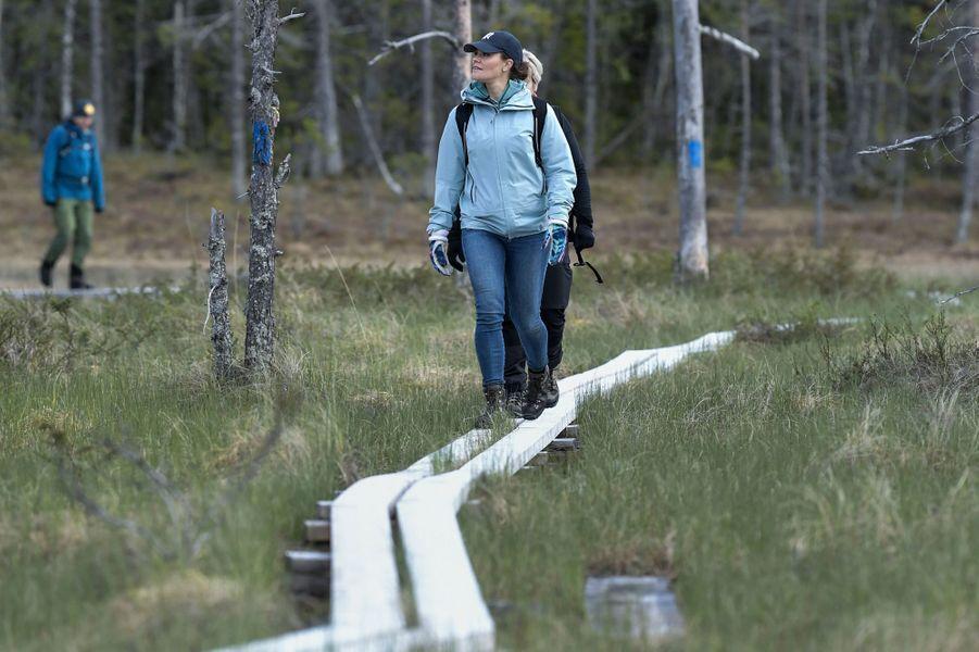 La princesse Victoria de Suède en randonnée dans le Medelpad, le 29 mai 2019