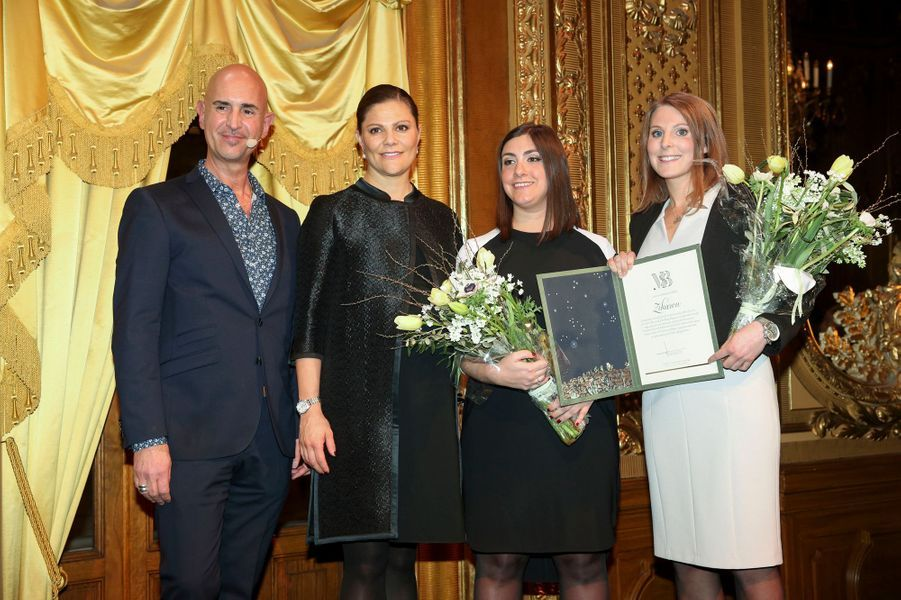 La princesse Victoria de Suède remet la bourse de la Fondation Micael Bindefelds à Stockholm, le 27 janvier 2016