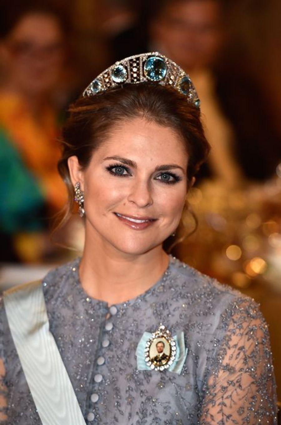 La princesse Madeleine de Suède au banquet des Nobel à Stockholm, le 10 décembre 2015