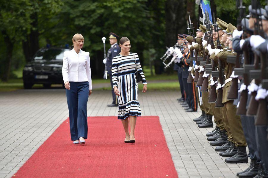La princesse Victoria de Suède avec la présidente estonienne à Tallinn, le 19 août 2018