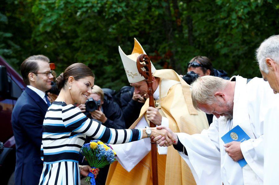 La princesse Victoria de Suède et le prince Daniel sur l'île de Naissaar en Estonie, le 19 août 2018