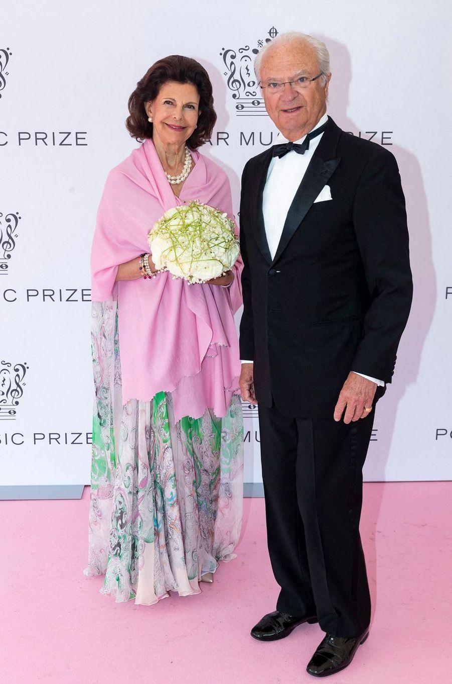 La reine Silvia et le roi Carl XVI Gustaf de Suède à Stockholm, le 11 juin 2019