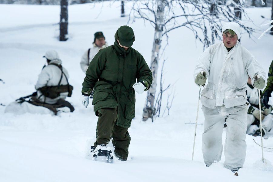 La princesse Victoria de Suède chaussée de raquettes à Arvidsjaur, le 23 janvier 2019