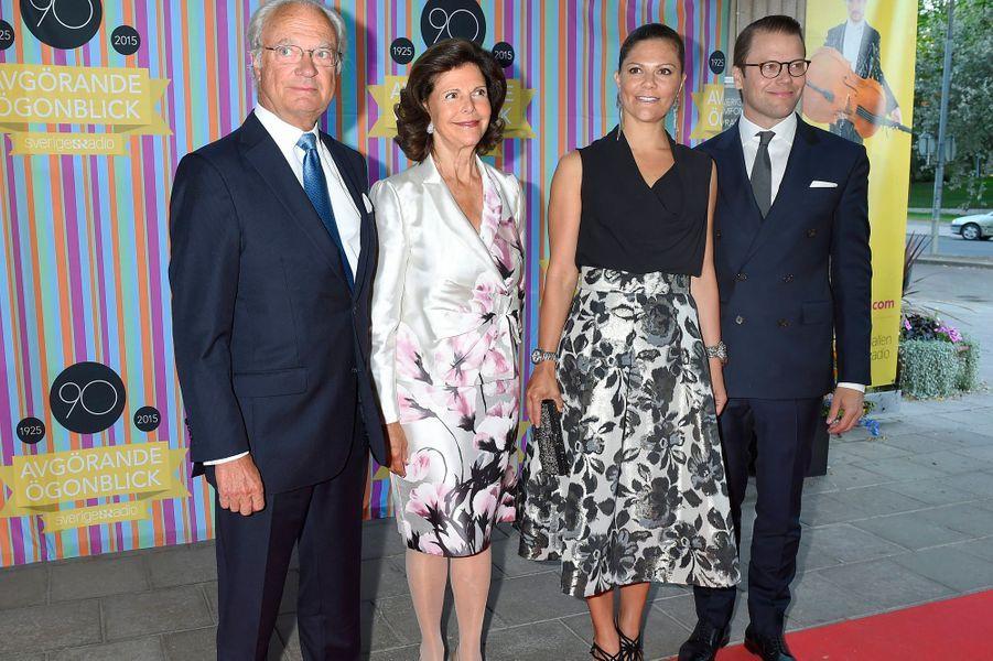 Le roi Carl XVI Gustaf de Suède, la reine Silvia, la princesse Victoria et le prince Daniel à Stockholm, le 21 août 2015