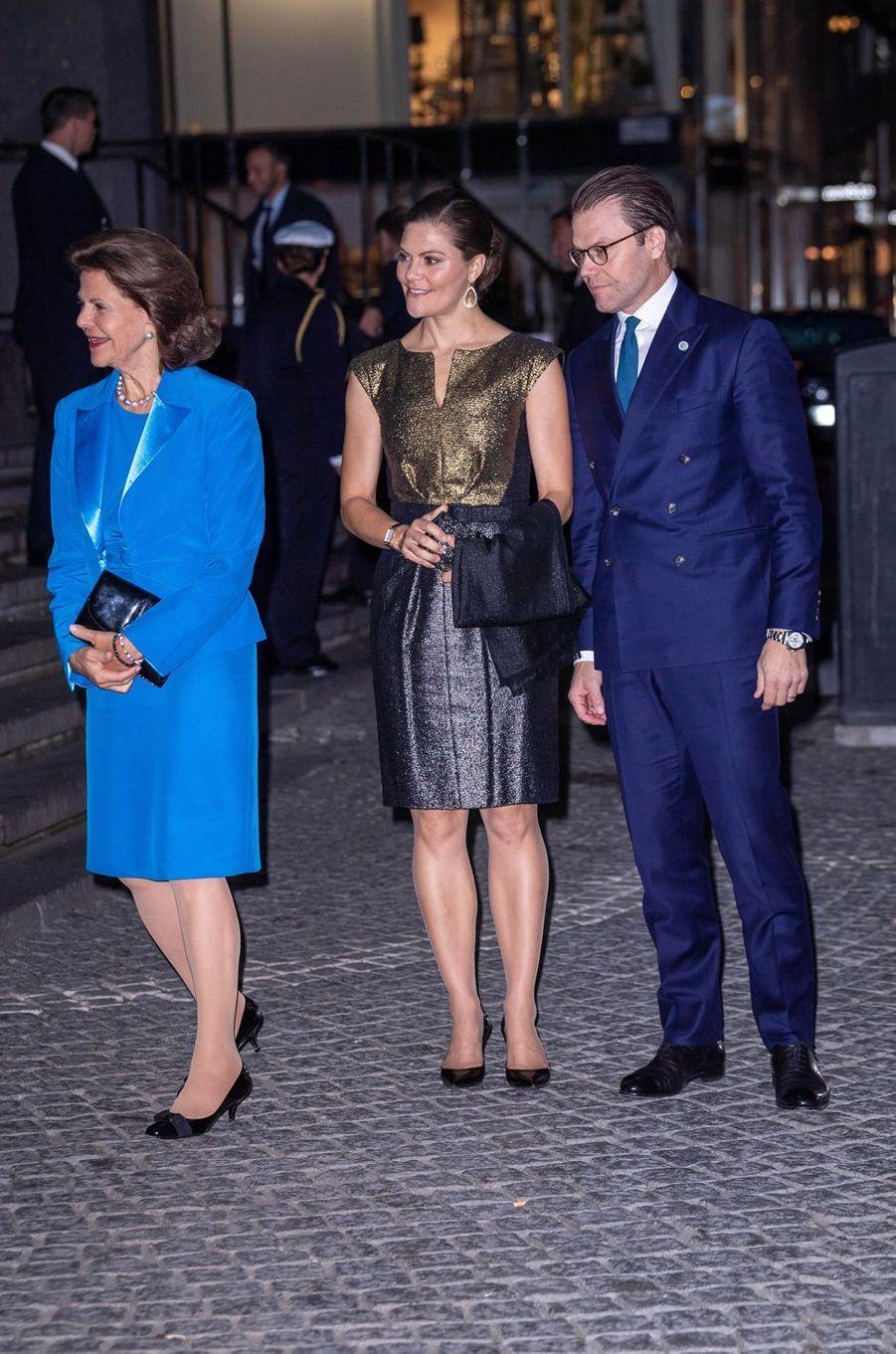 La princesse Victoria de Suède avec le prince Daniel et la reine Silvia à Stockholm, le 25 septembre 2018