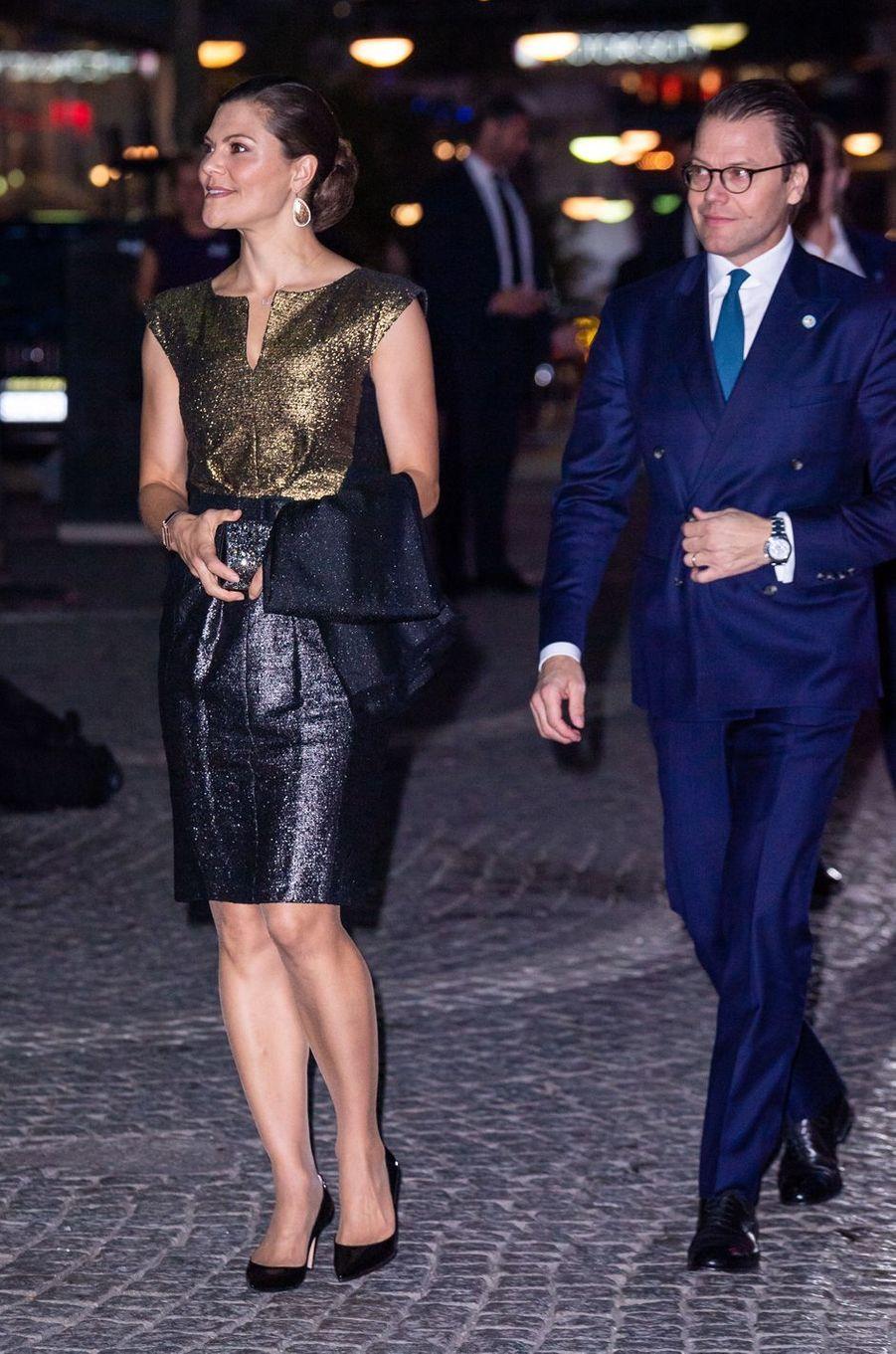 La princesse Victoria de Suède, dans une robe Escada, et le prince Daniel à Stockholm, le 25 septembre 2018
