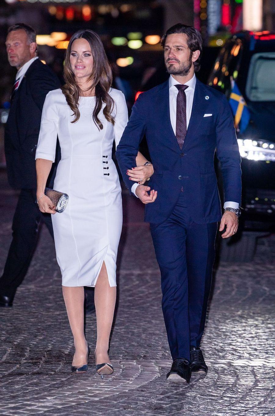 La princesse Sofia, dans une robe Hugo Boss, et le prince Carl Philip de Suède à Stockholm, le 25 septembre 2018