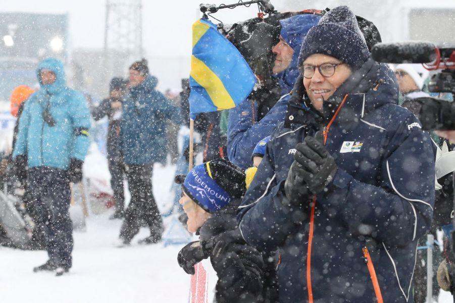 La princesse Estelle de Suède avec son père le prince Daniel à Ostersund, le 17 mars 2019