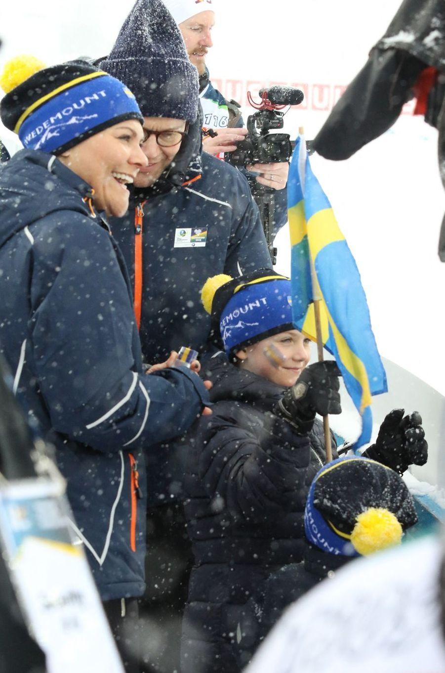 La princesse Victoria de Suède avec le prince Daniel et la princesse Estelle à Ostersund, le 17 mars 2019