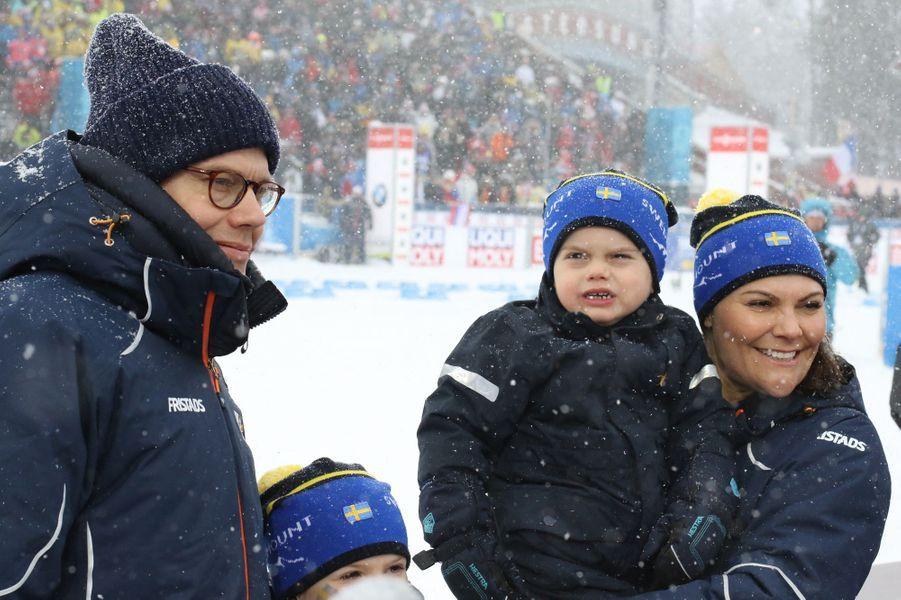 La princesse Victoria et le prince Daniel de Suède avec la princesse Estelle et le prince Oscar à Ostersund, le 17 mars 2019