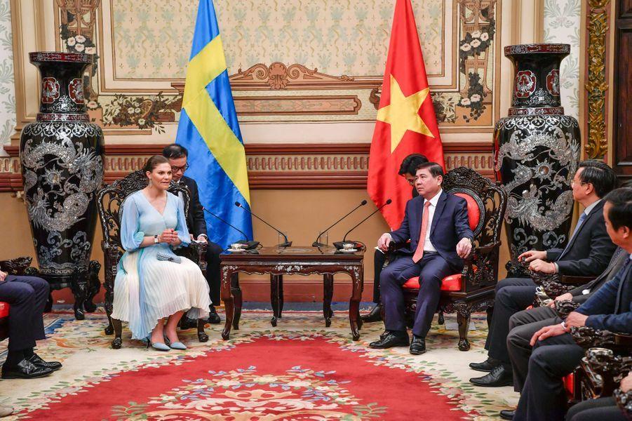La princesse Victoria de Suède avec le maire d'Hô Chi Minh-Ville, le 8 mai 2019