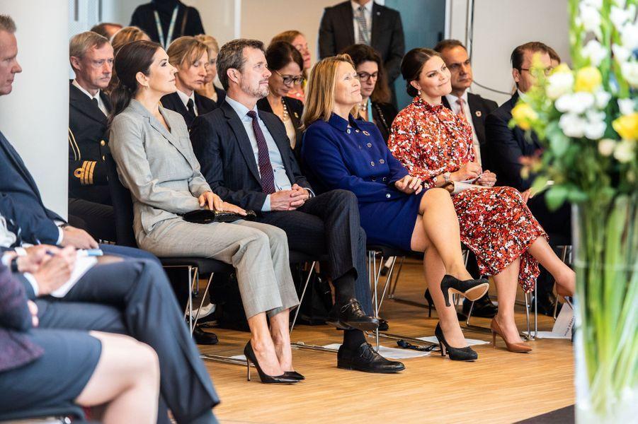 La princesse Victoria et le prince Daniel de Suède avec la princesse Mary et le prince Frederik de Danemark, à la Cité de l'ONU à Copenhague le 17 septembre 2019