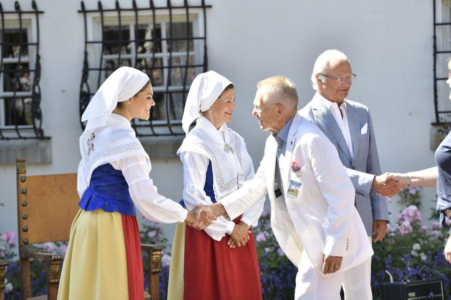 La princesse Victoria, la reine Silvia et le roi Carl XVI Gustaf de Suède au château de Solliden, le 5 juillet 2018
