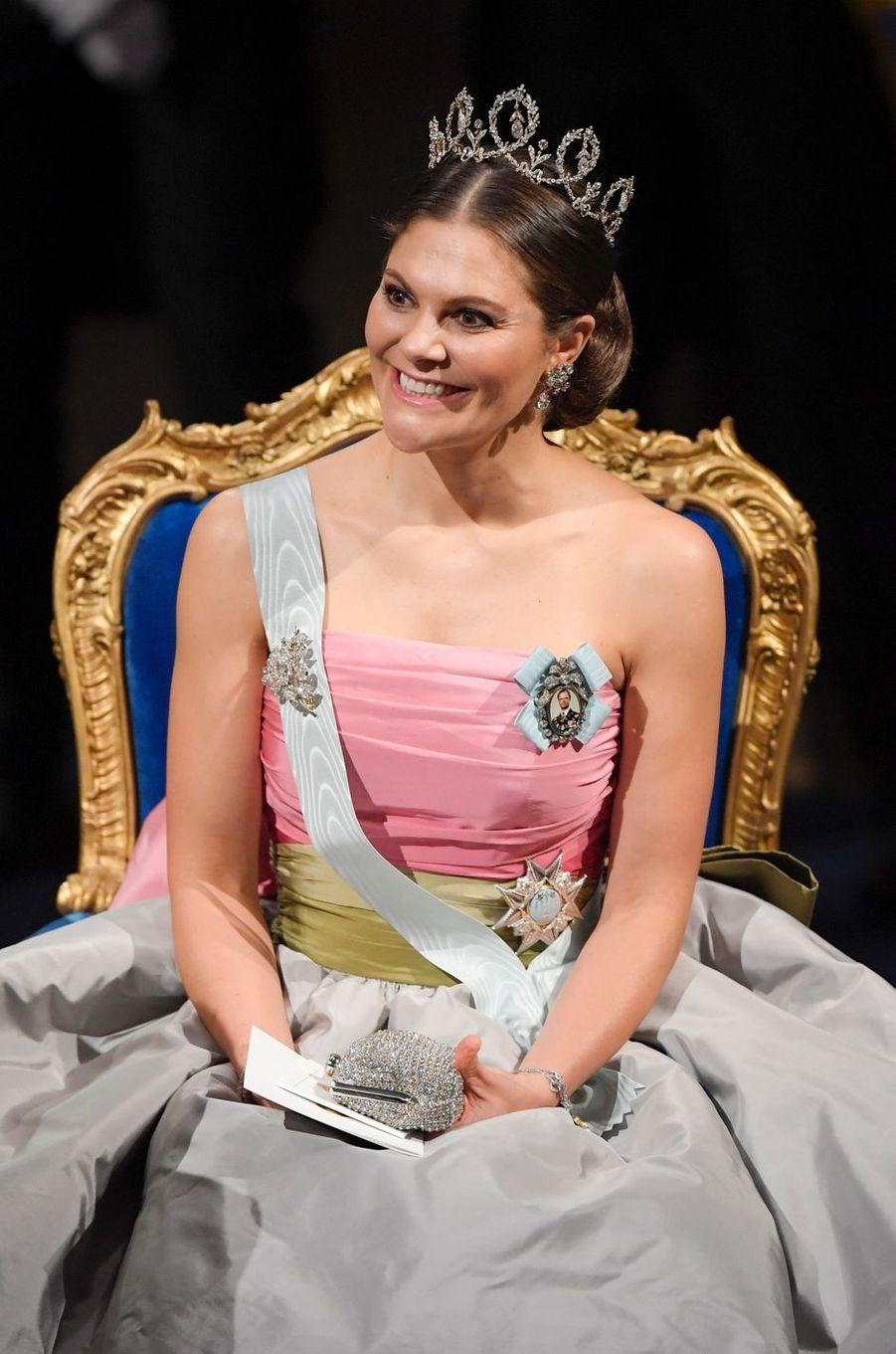 La princesse Victoria de Suède à la cérémonie des prix Nobel à Stockholm, le 10 décembre 2018
