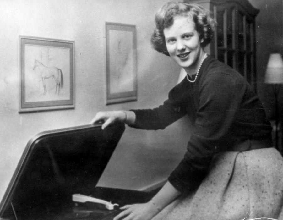 La princesse Margrethe de Danemark. Photo pour ses 18 ans, le 16 avril 1958