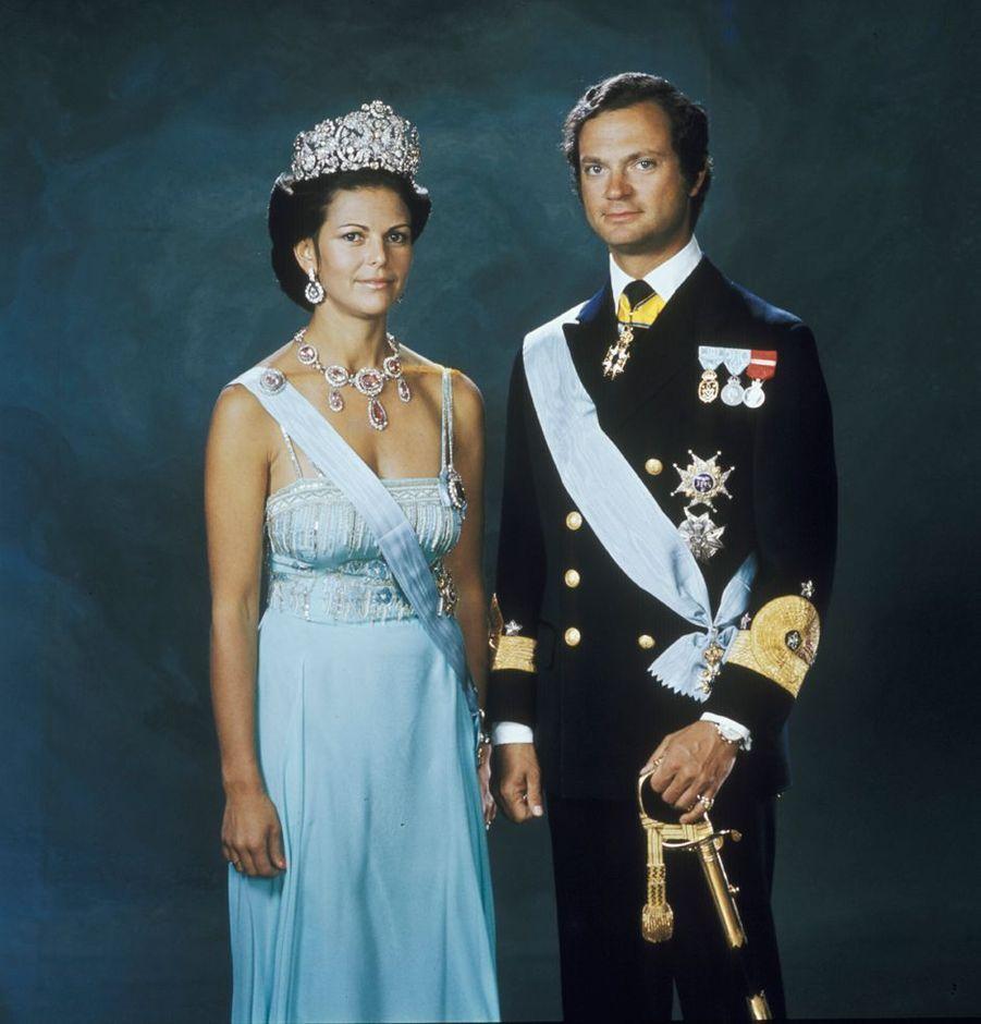 La reine Silvia de Suède avec le roi Carl XVI Gustaf, le 19 juin 1976