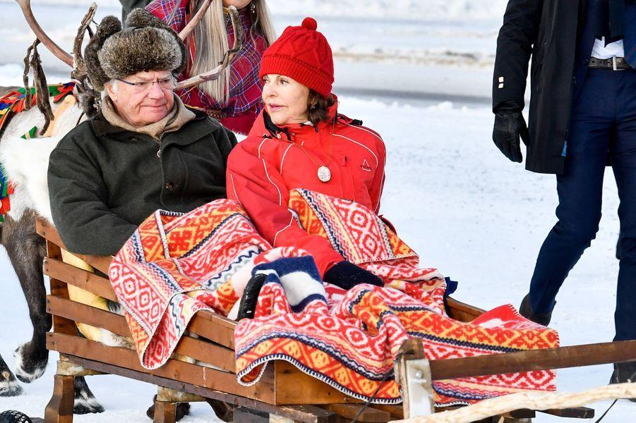 Le roi Carl XVI Gustaf et la reine Silvia de Suède à Jokkmokk, le 6 février 2020