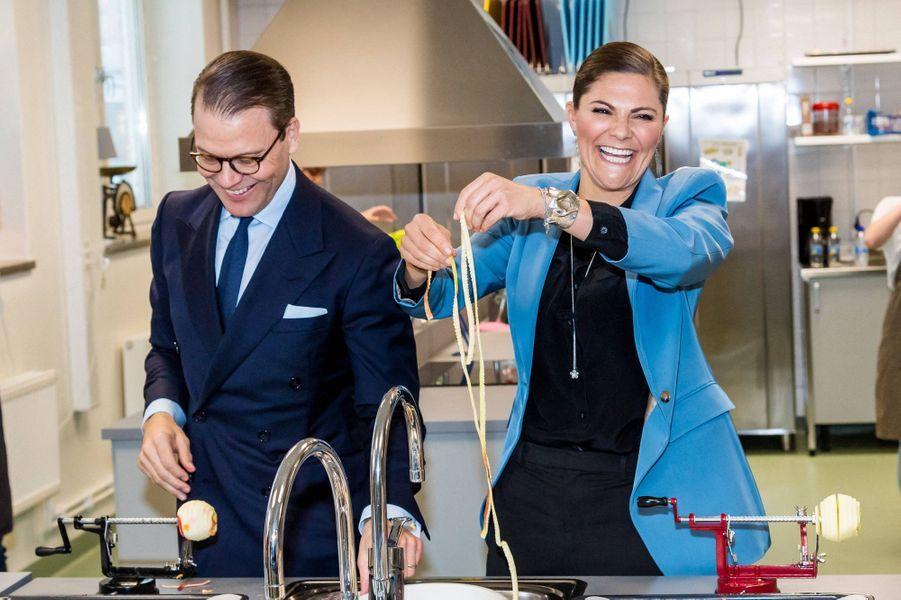 La princesse Victoria de Suède et le prince Daniel dans le comté de Södermanland, le 22 octobre 2020