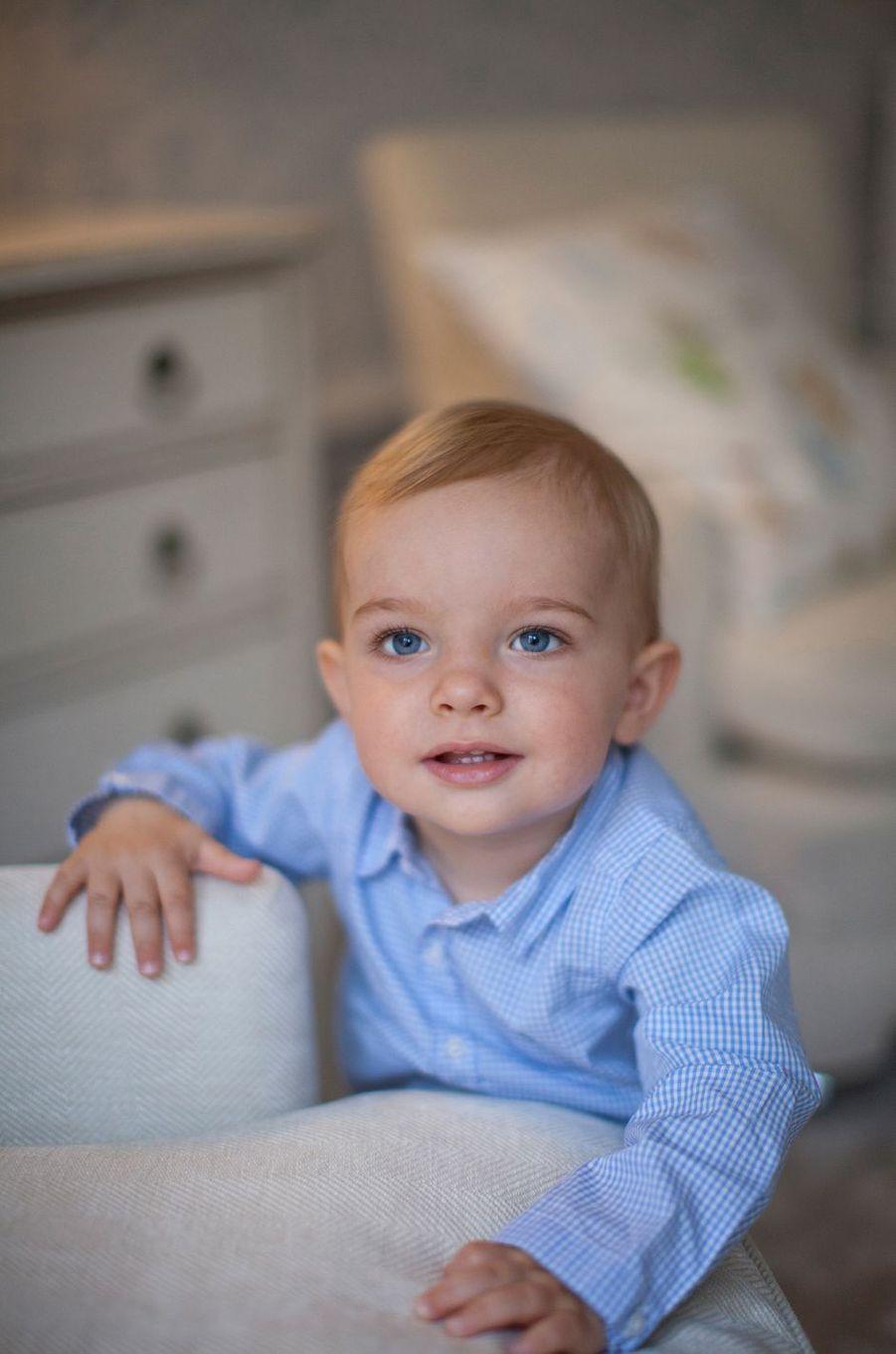 Le prince Nicolas de Suède, photo diffusée pour son 1er anniversaire, le 15 juin 2016