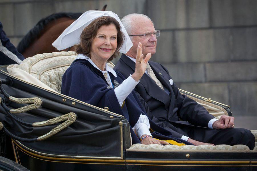 La reine Silvia et le roi Carl XVI Gustaf de Suède à Stockholm, le 6 juin 2016