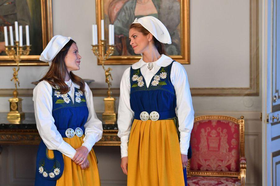 Les princesses Sofia et Madeleine de Suède à Stockholm, le 6 juin 2016