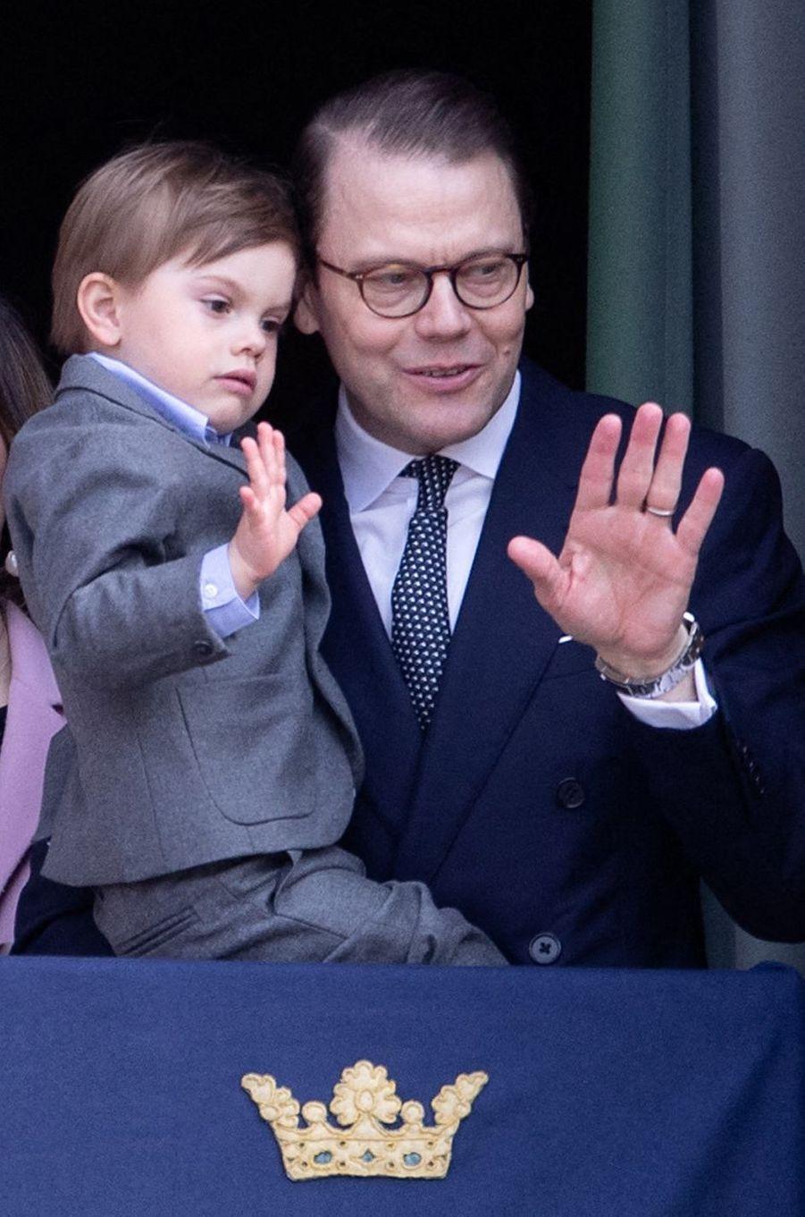 Les prince Oscar et Daniel de Suède à Stockholm, le 30 avril 2019