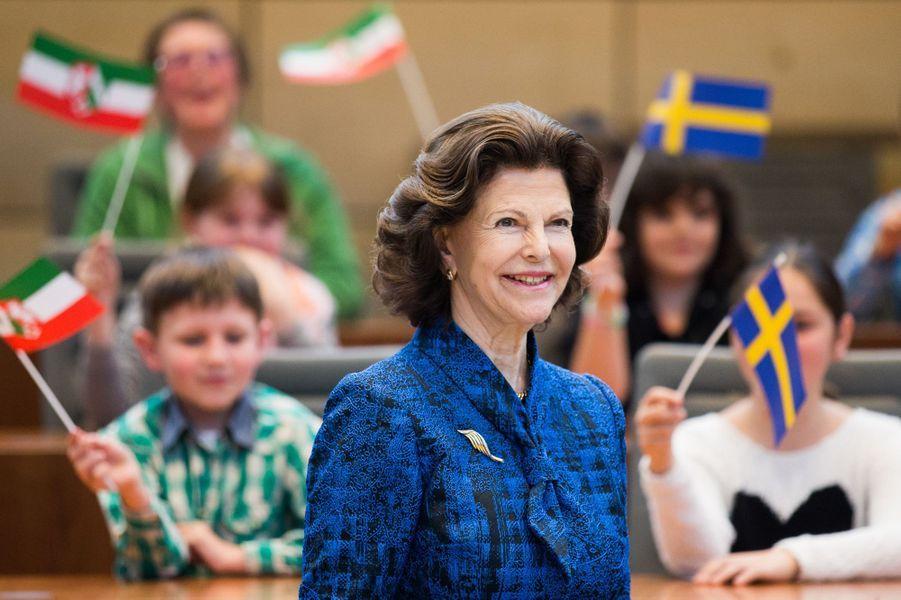 La reine Silvia de Suède au Parlement à Düsseldorf, le 24 mai 2016