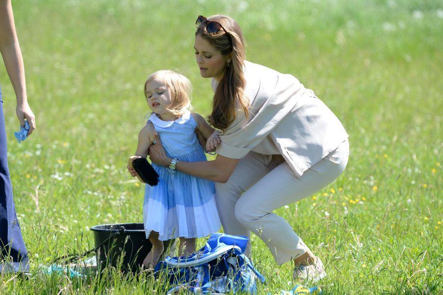 Les princesses Madeleine et Leonore de Suède à Visby sur l'île de Gotland, le 3 juin 2016