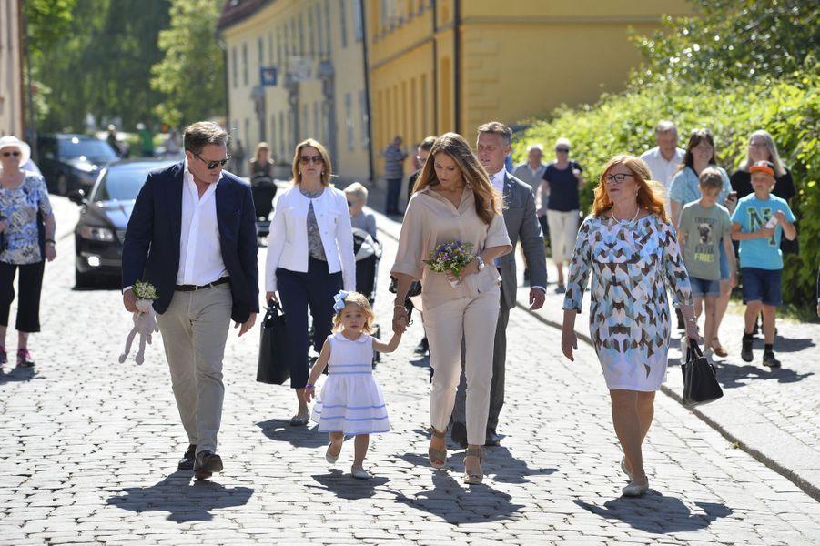 Les princesses Madeleine et Leonore de Suède et Christopher O'Neill à Visby sur l'île de Gotland, le 3 juin 2016