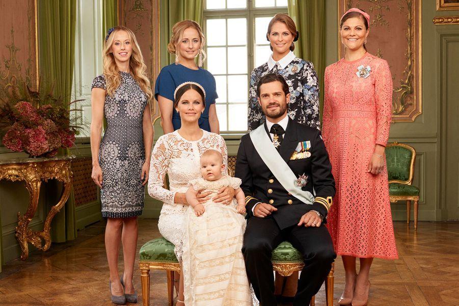 Le prince Alexander de Suède avec ses parents et ses tantes, le 9 septembre 2016