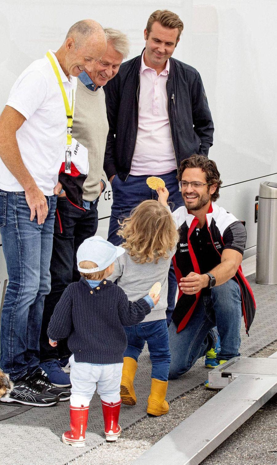 Les princes Carl Philip, Alexander et Gabriel de Suède sur le circuit suédois de Gellerasen, le 18 août 2019