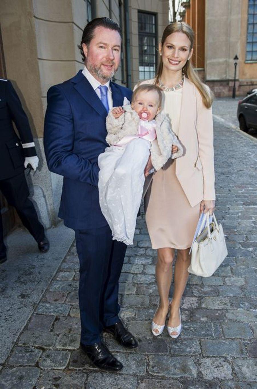 Gustaf Magnusson avec son épouse Vicky Andren et leur fille Desiree à Stockholm, le 21 mars 2015