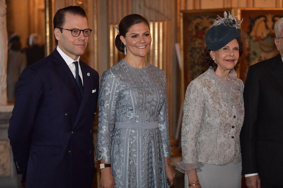La princesse Victoria de Suède et le prince Daniel avec la reine Silvia à Stockholm, le 13 novembre 2018