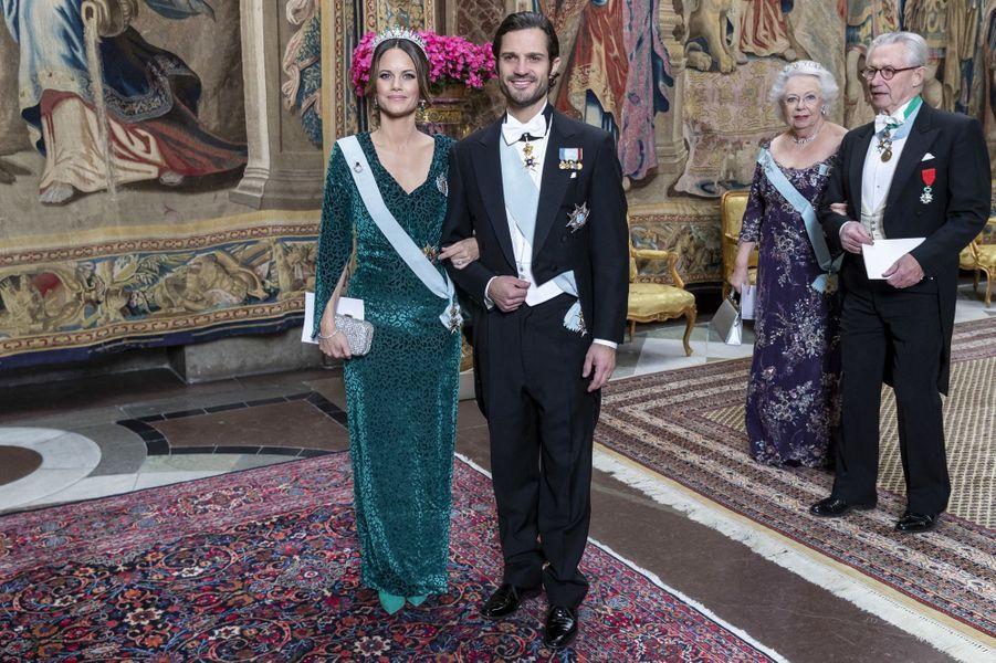 La princesse Sofia et le prince Carl Philip de Suède, suivis de la princesse Christina et de son mari à Stockholm, le 12 novembre 2019