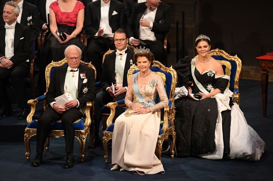 Le roi Carl XVI Gustaf de Suède, la reine Silvia, la princesse héritière Victoria et le prince consort Daniel de Suède à Stockholm, le 10 décembre 2019